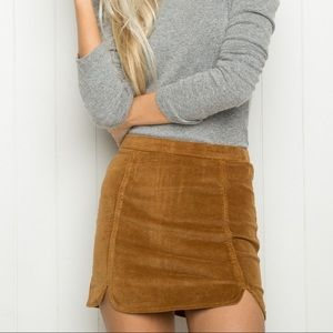Brandy Melville Raquel Skirt Zipper